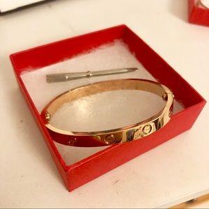 Gold band bracelet, never worn